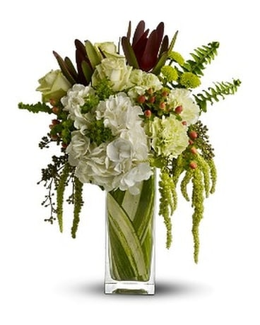 Nature's Kiss Flower Arrangement