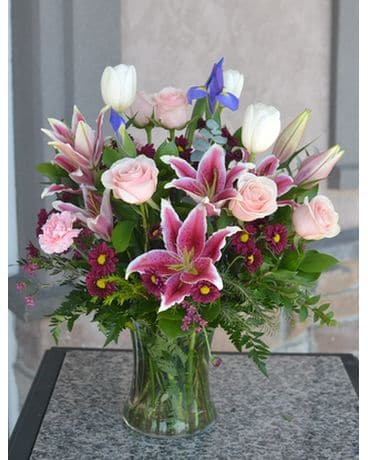 Lily Rose Flower Arrangement