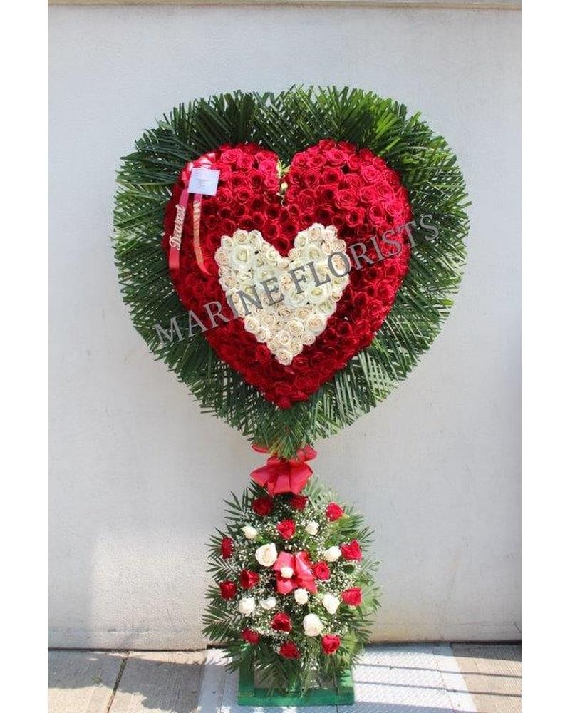 Sympathy buying guide i marine florists i 1995 flatbush ave casket sprays standing basket hearts crosses izmirmasajfo Image collections