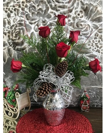 Holiday 1/2 Dozen Flower Arrangement