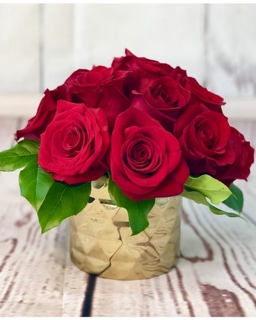 Metallic Roses Flower Arrangement