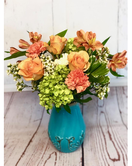 Quick view Peaches & Dreams Flower Arrangement