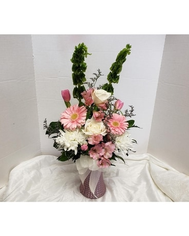 Blushing Pink Beauty Flower Arrangement