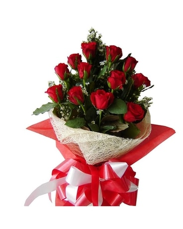 Red Ecuadorian Roses Flower Arrangement