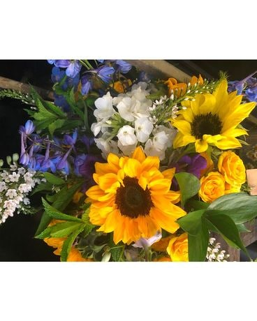 Summer Arrangement Flower Arrangement