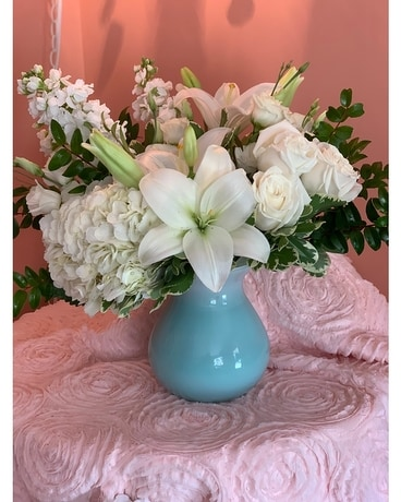 Timeless Tiffany Flower Arrangement