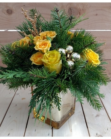 All That Glitters Flower Arrangement