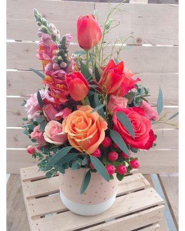 Living Coral - Pantone Color of the Year Flower Arrangement