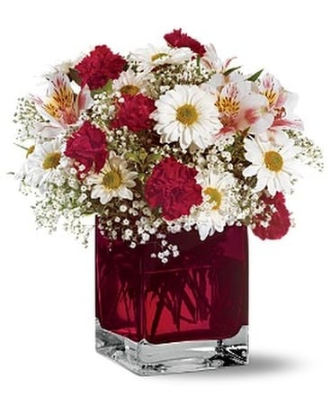 Teleflora's Scarlett Bouquet Flower Arrangement