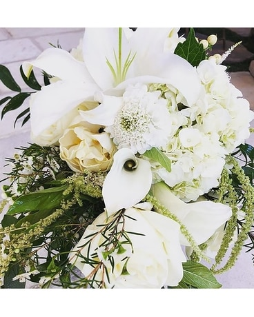 Wonderful and White Flower Arrangement