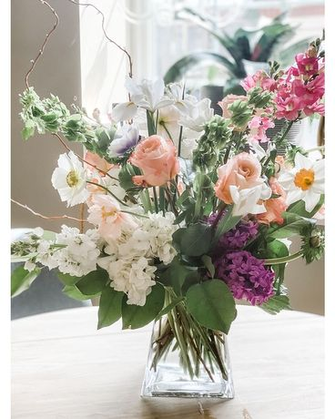 TALL AND AIRY - PASTEL Flower Arrangement
