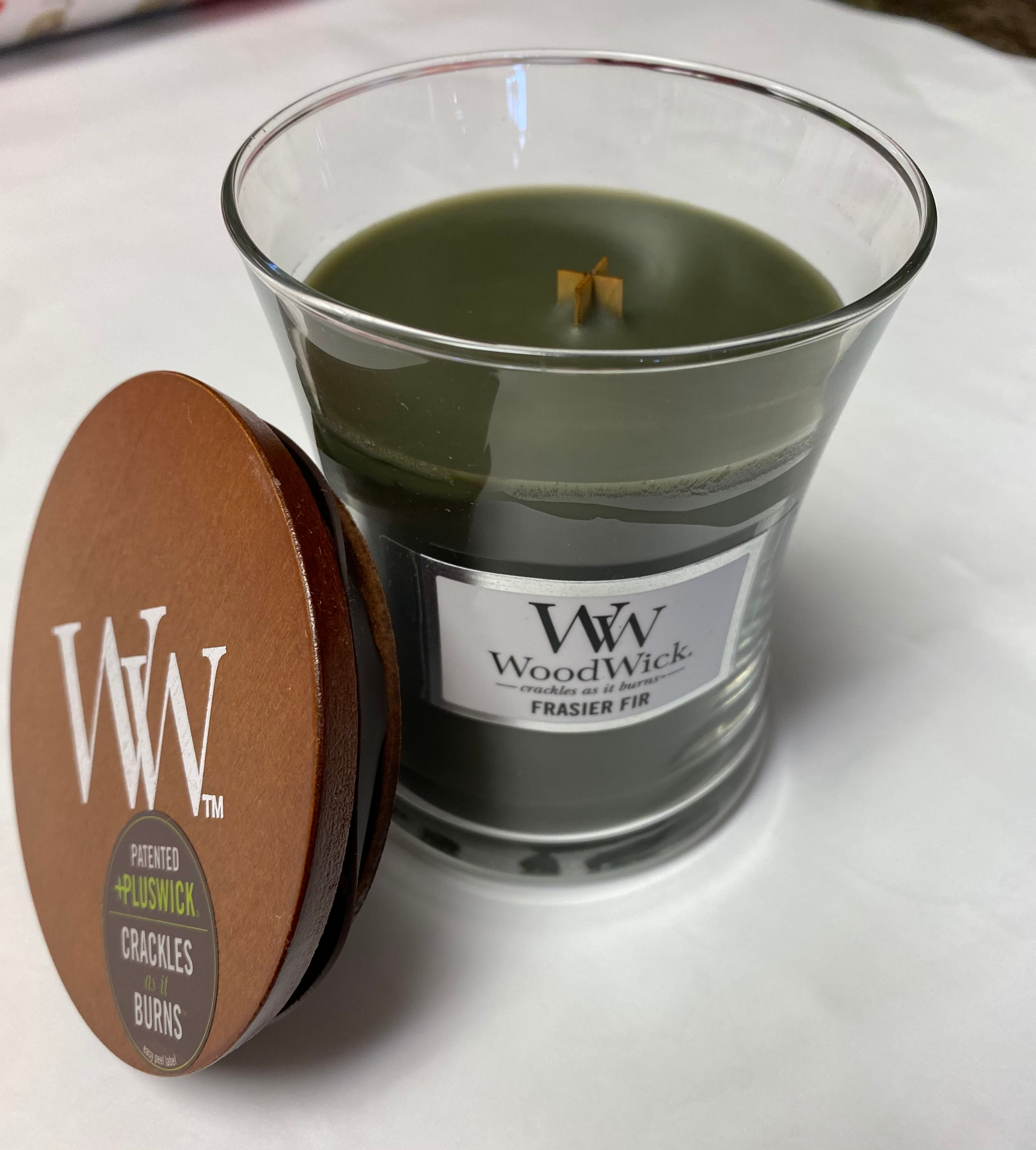 Woodwick Candle, crackling, seasonal scent