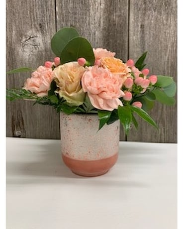 Short Peach Cosmo Flower Arrangement