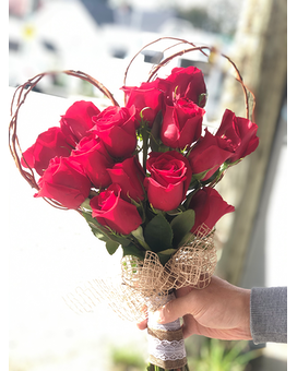 Heart Shaped Rose Bouquet Flower Arrangement