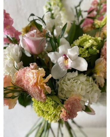 Pastels - Vase Flower Arrangement