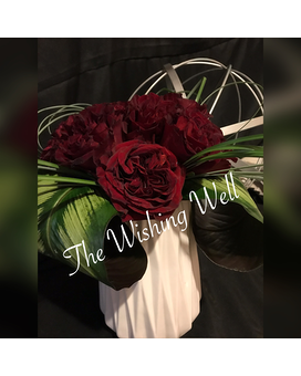 Contemporary Rose ~ Exclusive Flower Arrangement
