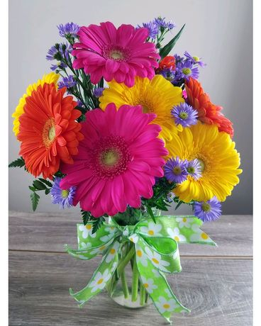 Gerbera Delight Flower Arrangement