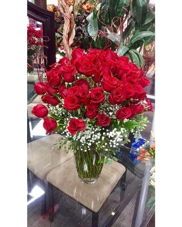 100 Roses Flower Arrangement