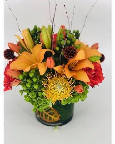 Thanksgiving Charmer Flower Arrangement