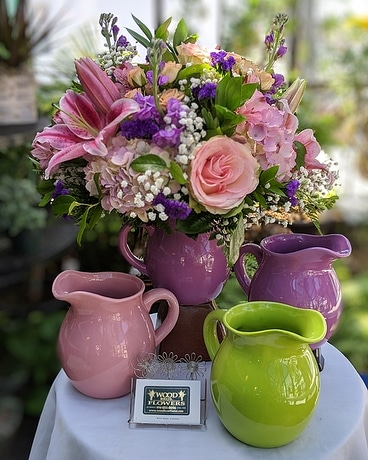 GARDEN CERAMIC PRETTY PASTEL PITCHER Flower Arrangement