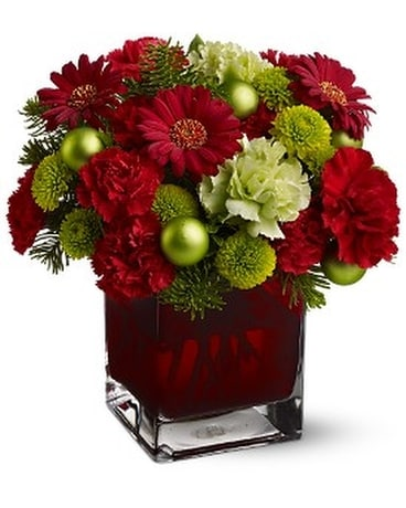Teleflora's Noël Chic Flower Arrangement