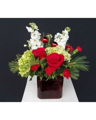 Christmas Spirit Flower Arrangement