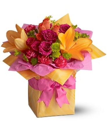 Telefloras Trs Chic Present In Meriden Ct Rose Flowers Gifts