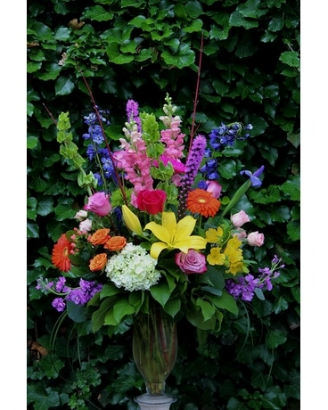 Majestic Splendor Flower Arrangement