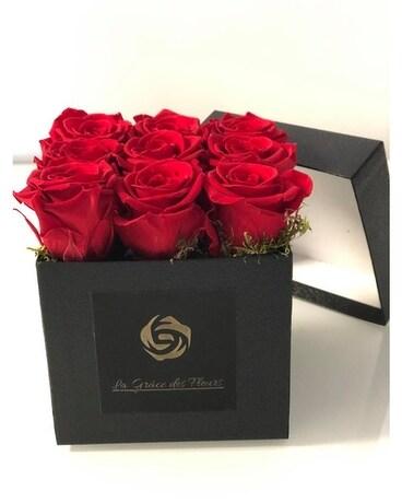 Square Flowerbox In Laval Qc La Grace Des Fleurs