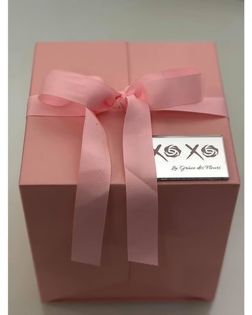 Pink Signature Gift Box Flower Arrangement