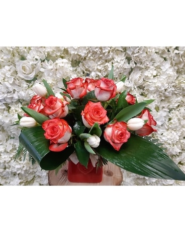 LOVE WITH ROSE AND TULIP Flower Arrangement