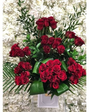 CRAZY RED LOVE Flower Arrangement