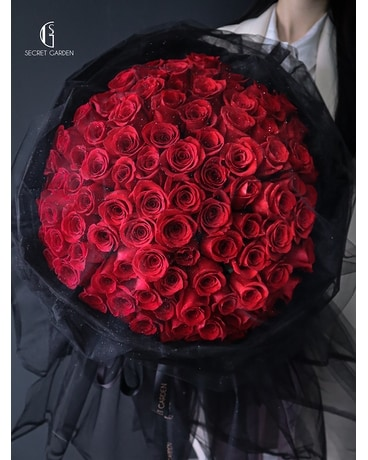 Red veil (99 roses) Flower Arrangement