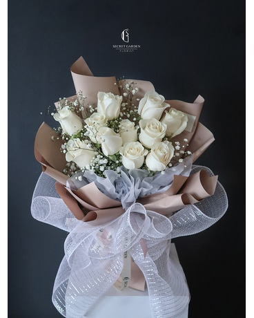 Ivory Flower Arrangement