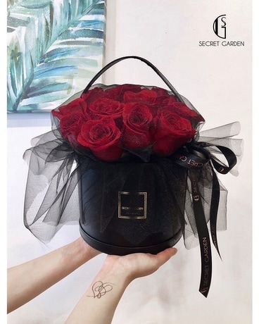 Rose Bag Flower Arrangement