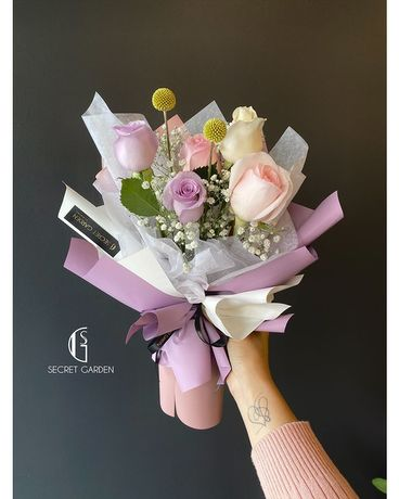 Macaroon Flower Arrangement