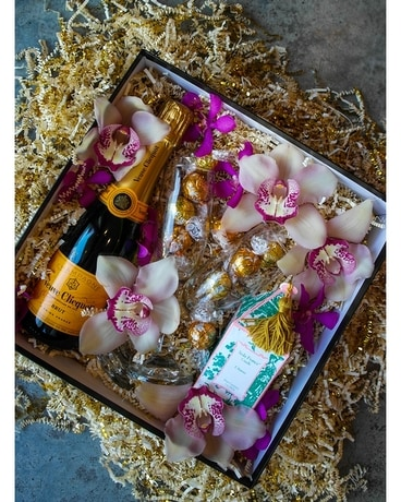 A Toast For Two Gift Basket