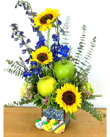 School DayZZZ Flower Arrangement