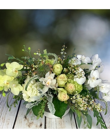 Magnificent Centerpiece Flower Arrangement