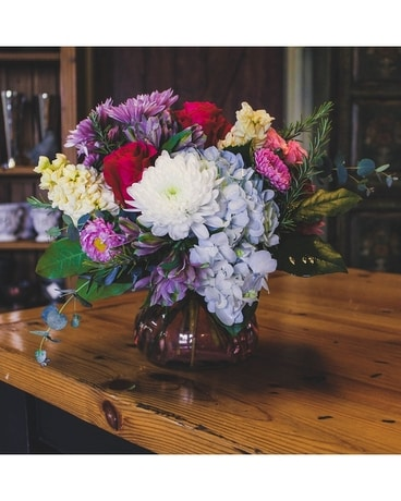 Gordon Hill's  Perfect Choice Flower Arrangement