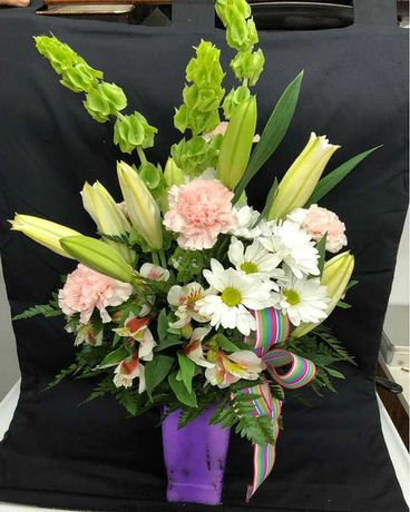 Designer Choices 2 Flower Arrangement