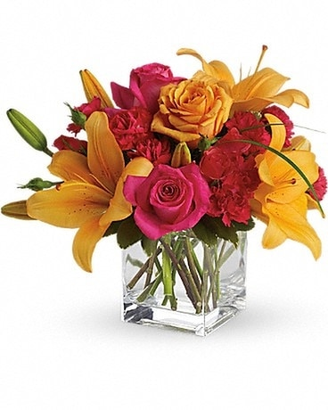 Teleflora's Uniquely Chic Flower Arrangement