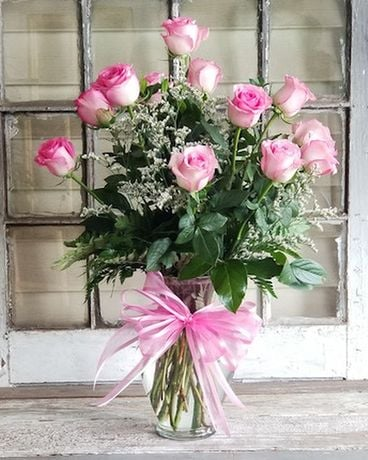 Pretty in Pink Roses Flower Arrangement