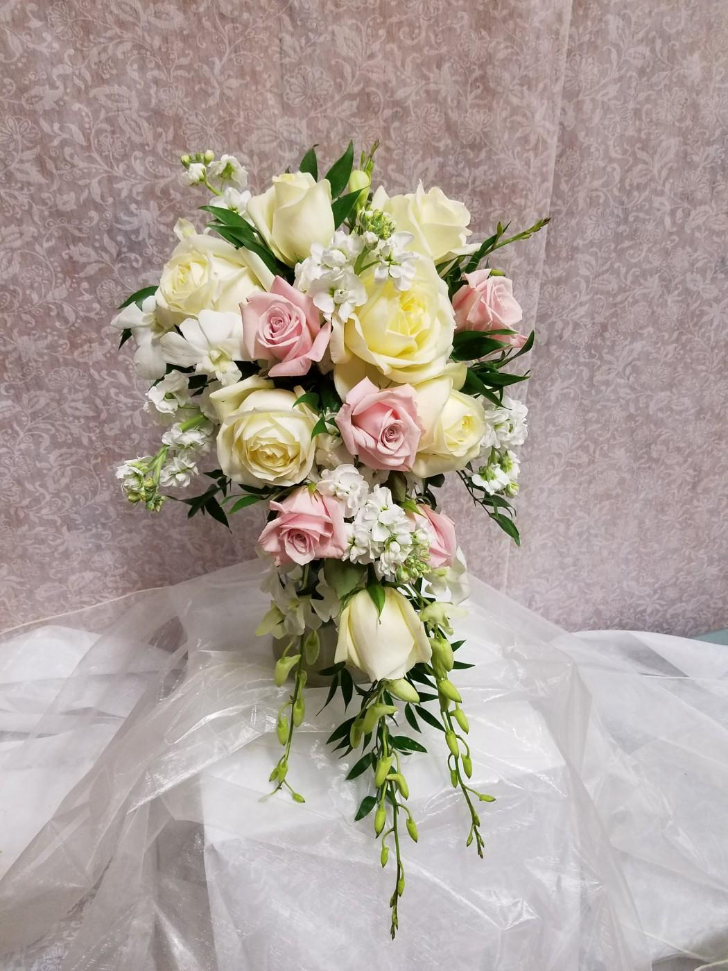Bridal party delivery southampton pa domenic graziano flowers bridal bouquet izmirmasajfo