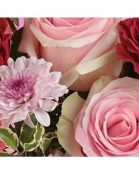 PINKS DESIGNER'S CHOICE Flower Arrangement