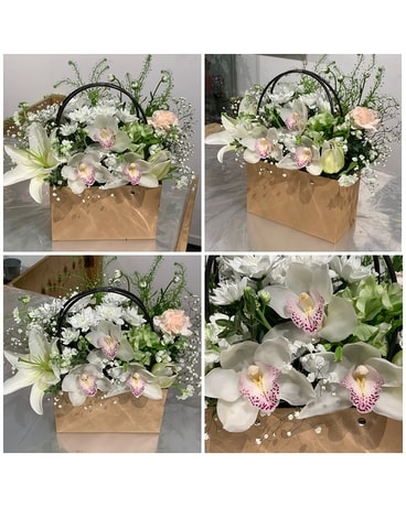 Floragl Bag in Whites Flower Arrangement