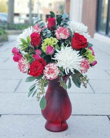 Crazy Daisy in Love Flower Arrangement