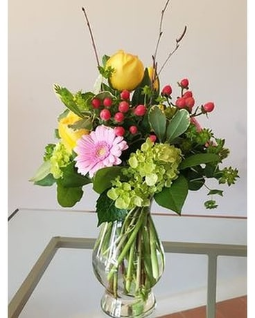 Keep it Classic Flower Arrangement