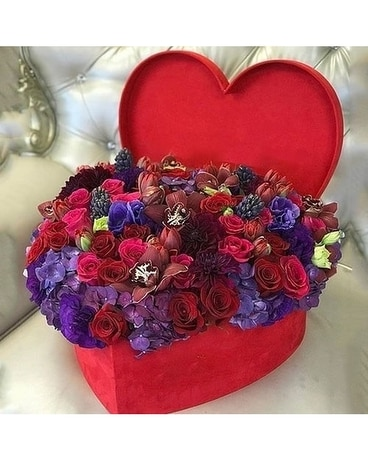 My Heart Is Full by Lovebird Flowers Flower Arrangement