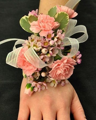 Mini Carnation Corsage Flower Arrangement